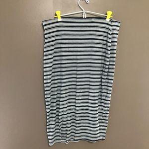 3 for $20 Old navy Striped skirt size large